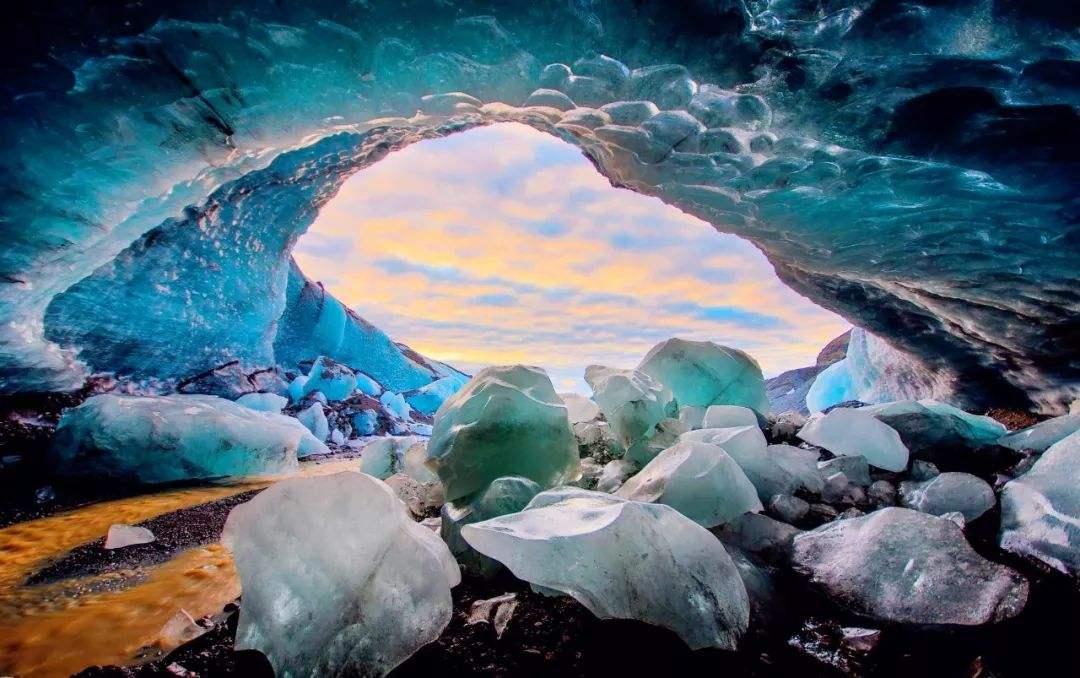 《冰岛7天深度治愈之旅-伦敦航班往返》